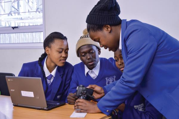 Through digital technology, the ministry wants to give the different regions and their educational institutions the maximum opportunity to access quality educational content
